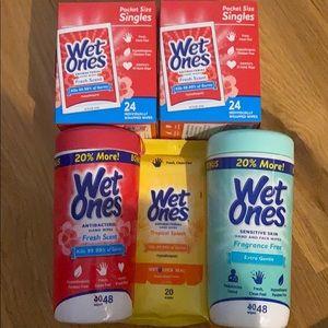 Wet ones bundle